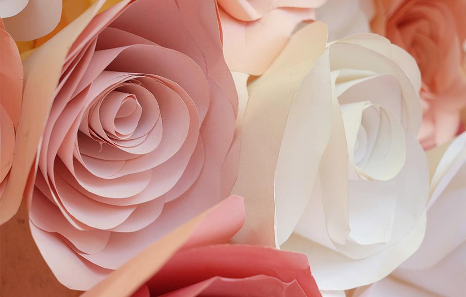 「ジャイアントフラワー」をDIY! 大きな花で会場を飾り付けて