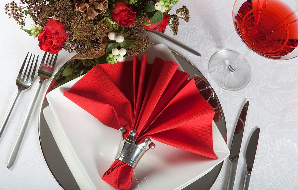 聖なる夜のムードを「クリスマス」を取り入れた結婚式アイデア